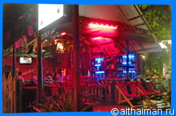Kai Bae Beach Nightlife, Where to Go at Night in Kai Bae Beach, หาดไก่แบ้, เกาะช้าง