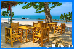 Mai Phai beach Restaurants