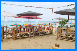 Ресторан-бар The Sands в Nai Yang Beach Resort