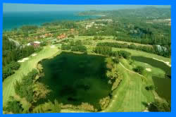Игра в гольф в Laguna Phuket Golf Club