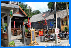 Lucky Cat bar Restaurant thong nai pan nio